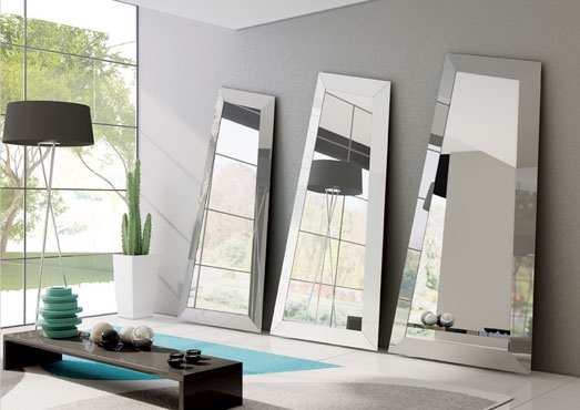Irregular Shaped Mirrors by Ozzio