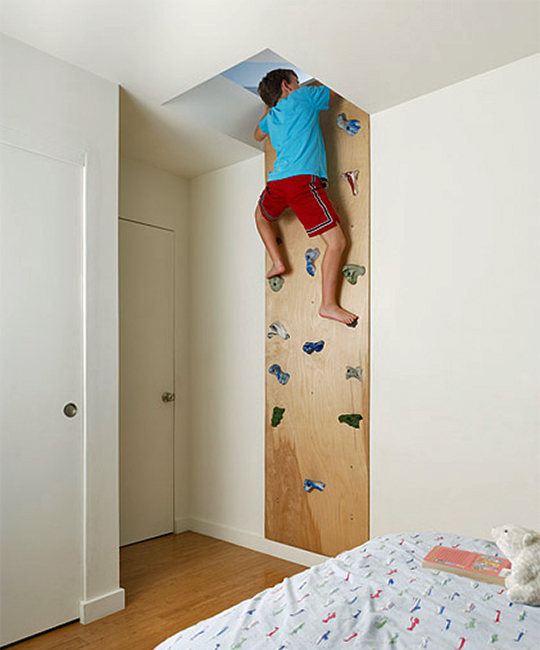 Kids Bedroom Design Idea: climbing wall